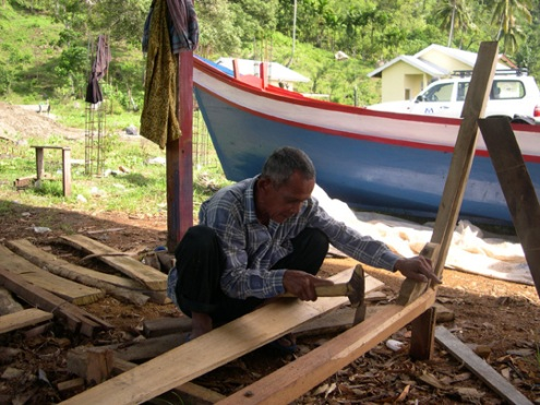 1219_file_boat_builder_540